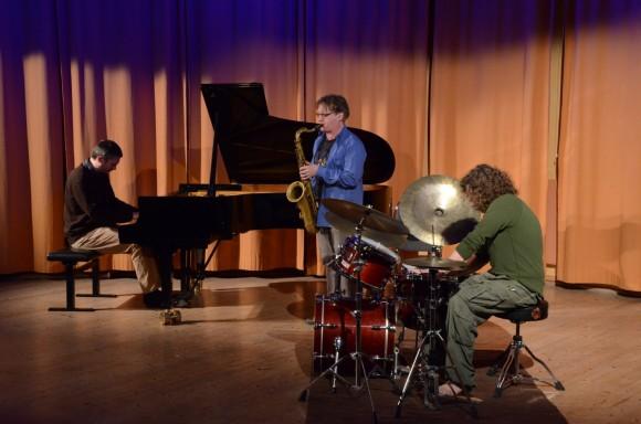 Luigi Bozzolan (piano) , Jonny Wartel (sax) Henrik Wartel (drums)