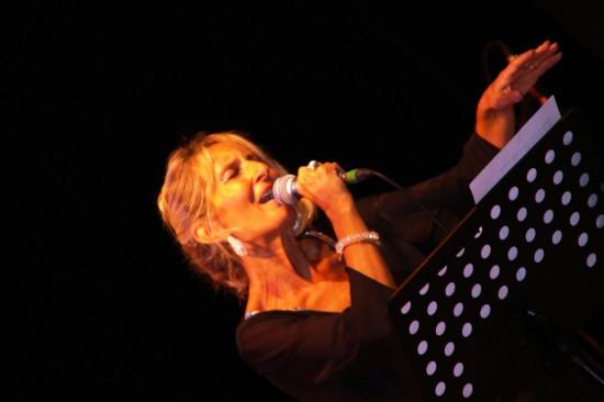 Antonella Vitale con microfono