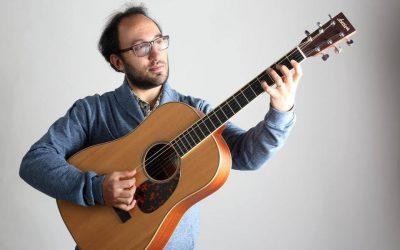 """Filippo Cosentino alla chitarra baritono affronta con """"Tre"""" una nuova sfida"""