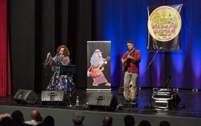 Sarah-Jane Morris e Antonio Forcione a Madame Guitar: una Musica senza compromessi per riscoprirsi comunità…